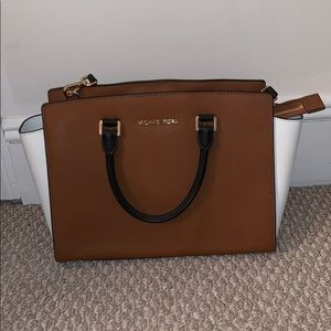 Michael Kors Selma Saffiano Leather Handbag